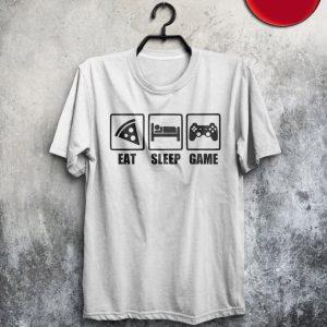 تی شرت طرح گیمینگ Eat Sleep Game با رنگ ها و سایزهای مختلف و متنوع با کیفیت عالی از فروشگاه سایت پلی مگ با ارسال پستی به سراسر ایران